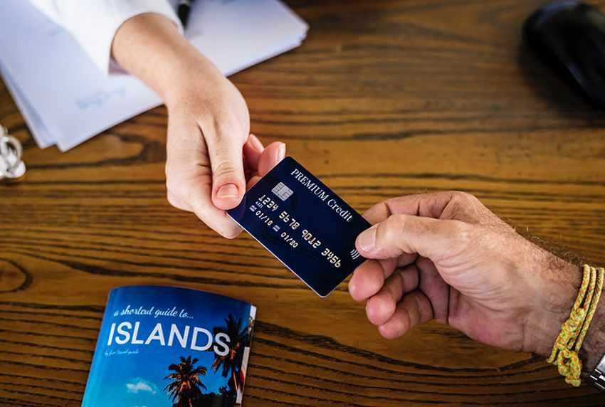 как научиться жить без долгов по картам и кредитов