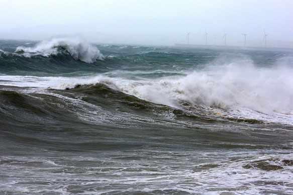 снится большая волна