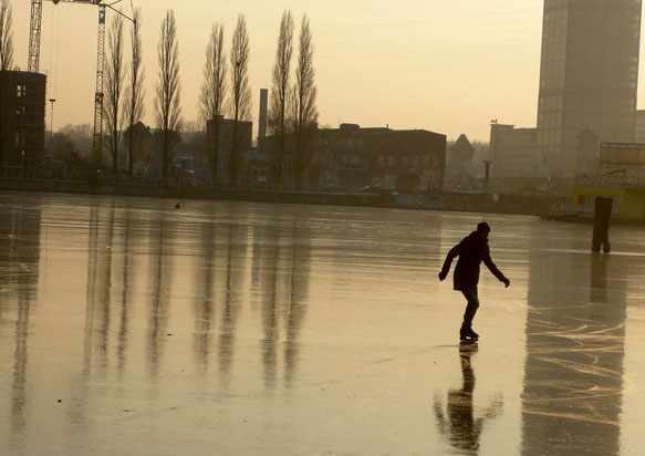 Кататься на льду во сне
