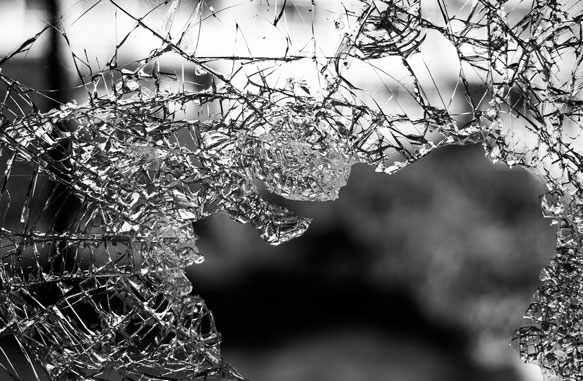к чему снятся осколки стекла