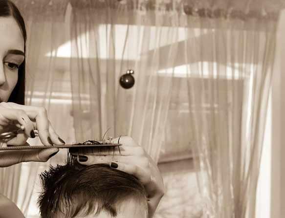Во сне подстригать волосы